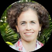 Dr. Marcia Báez
